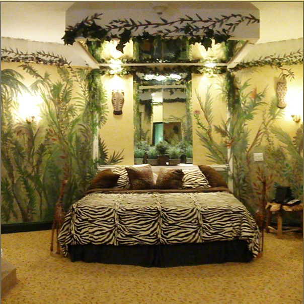 jungle room | Nails done by a Blimbo