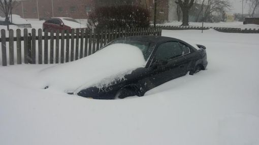 car gettign snowed in